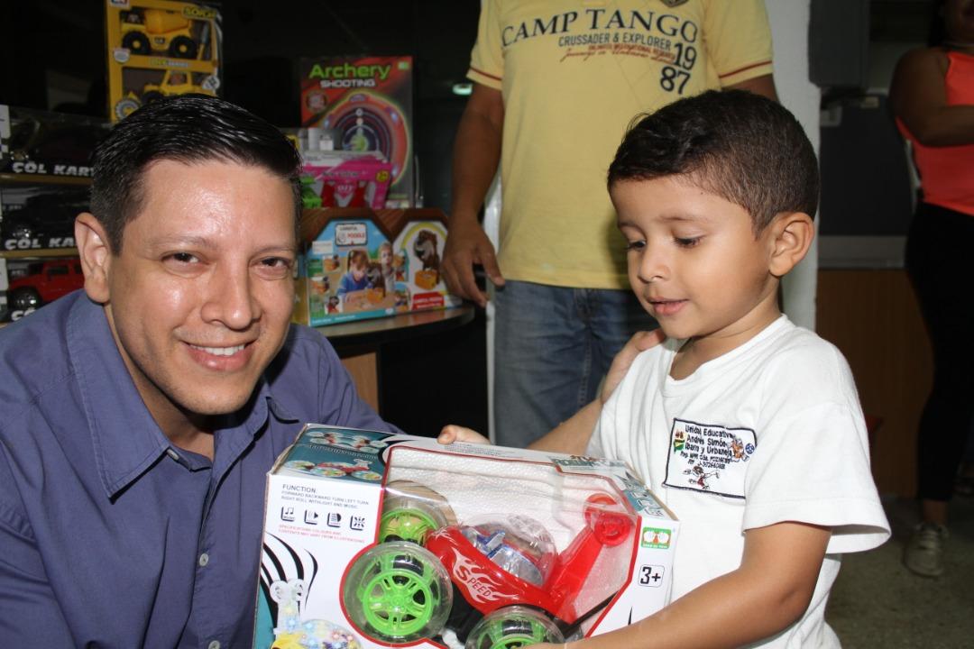 Entrega de juguetes (3)
