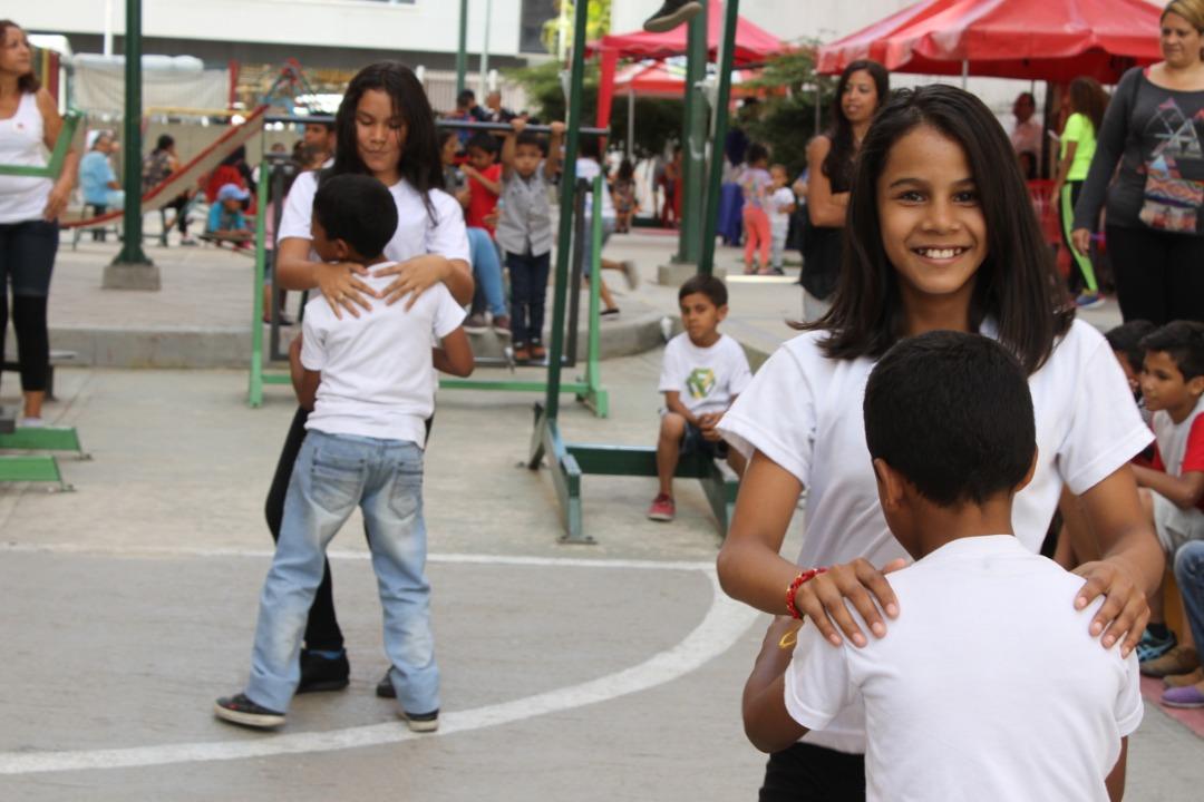 """Frente Preventivo realizó """"Toma por la Paz y la Vida"""" en Urbanismos de la parroquia El Recreo (8)"""
