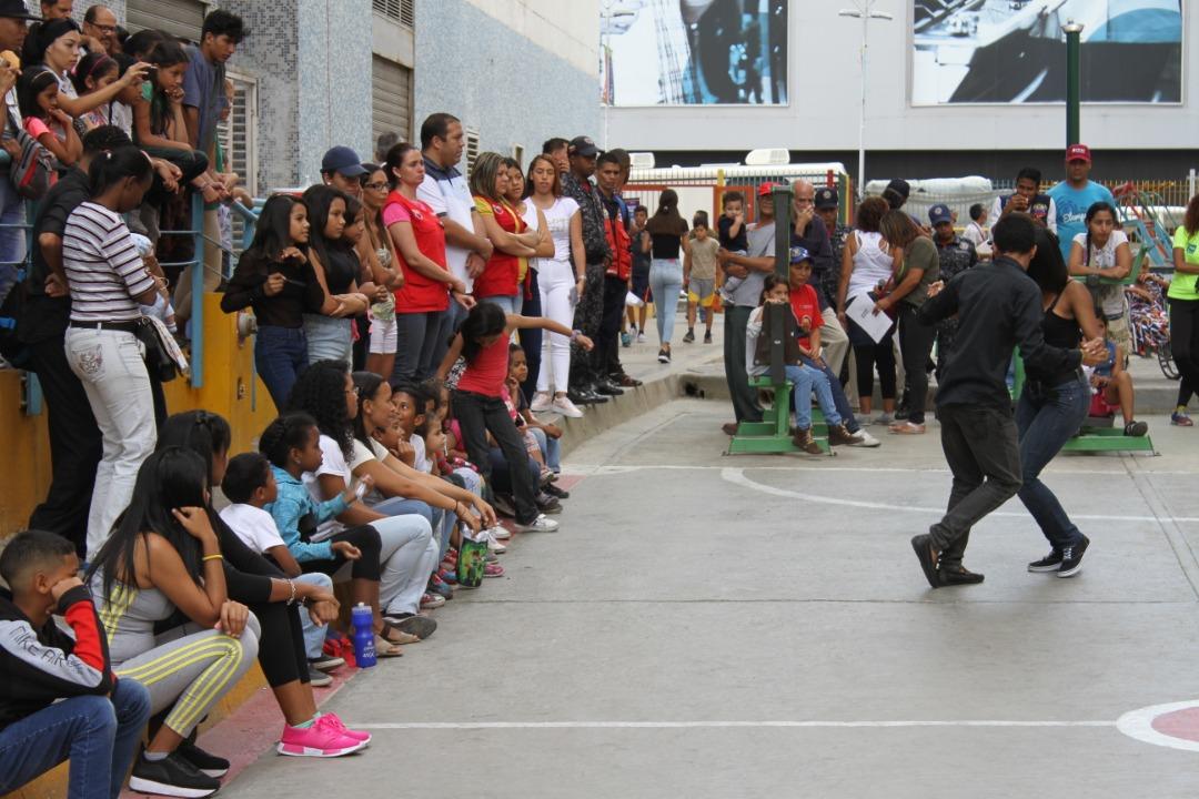"""Frente Preventivo realizó """"Toma por la Paz y la Vida"""" en Urbanismos de la parroquia El Recreo (9)"""