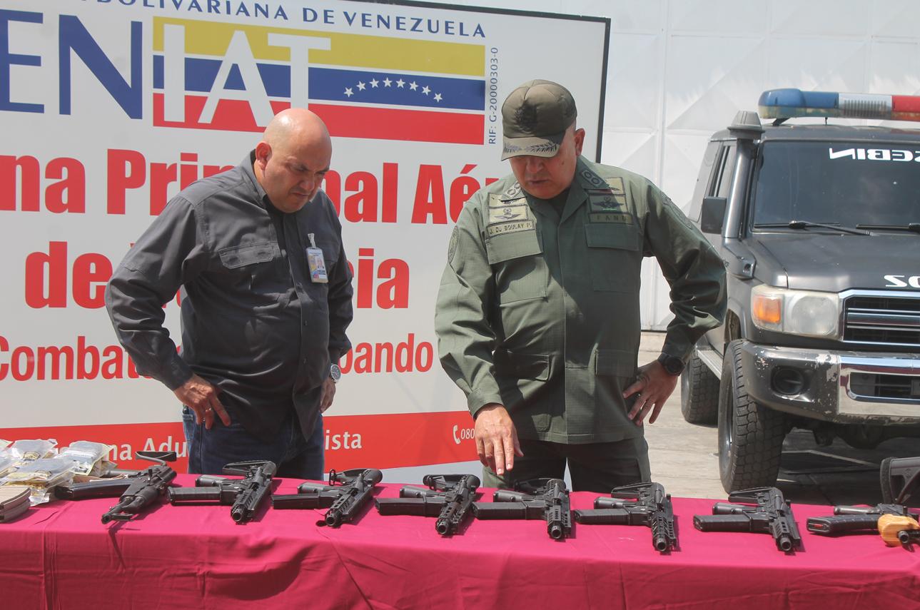 Incautado armamento bélico procedente de EEUU en aeropuerto internacional de Valencia (2)