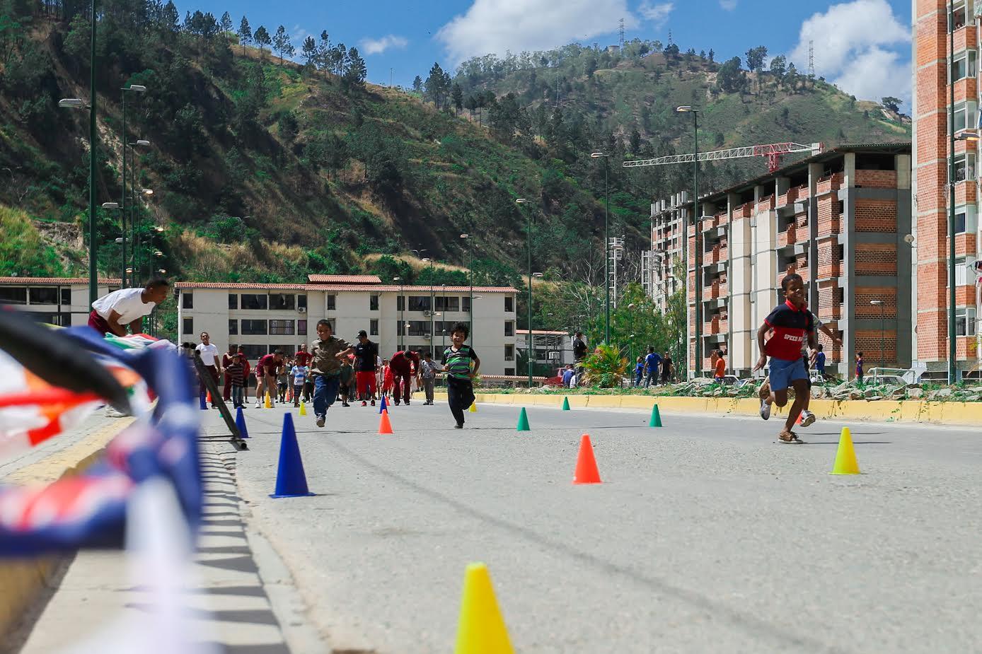 Más de 17 mil personas en Ciudad Tiuna participaron en gran toma deportiva por la paz y la vida (2)