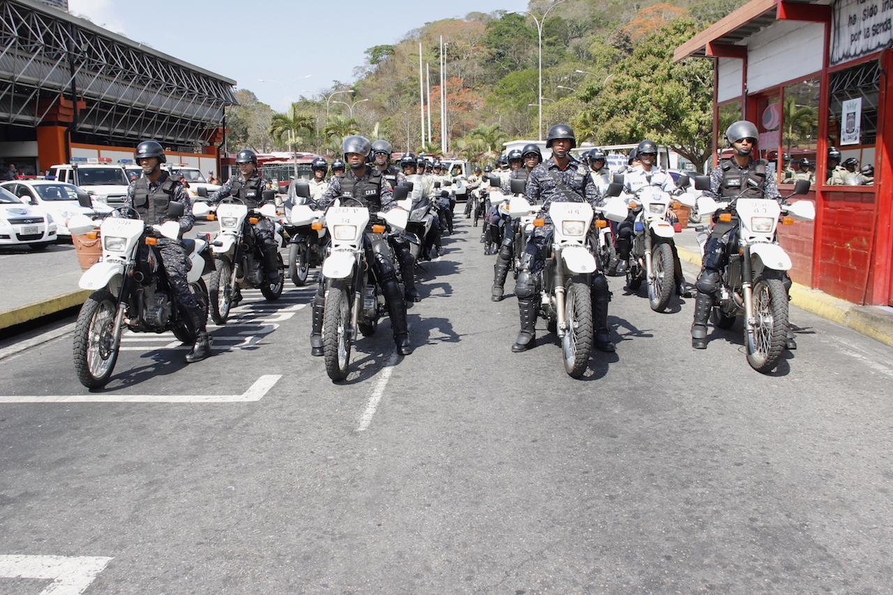 Terminal de Oriente resguardado con más de 200 funcionarios de seguridad (18)