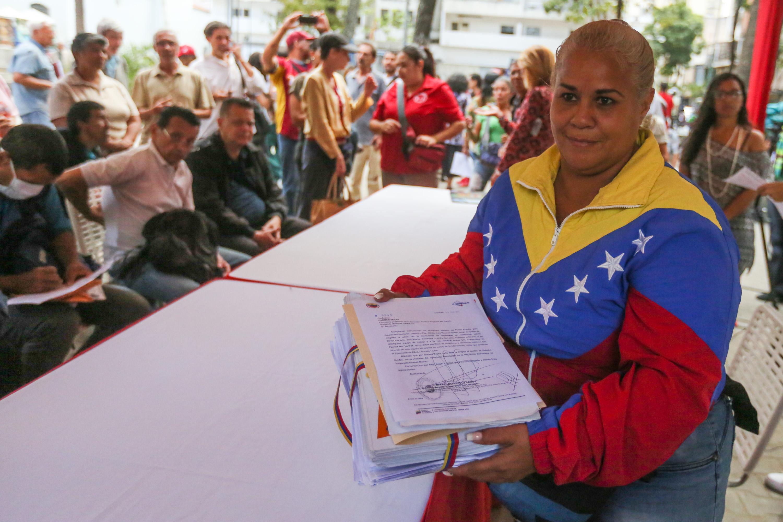 Trabajadores del Mpprijp entregaron más de 18 mil firmas a favor de la paz del país (4)