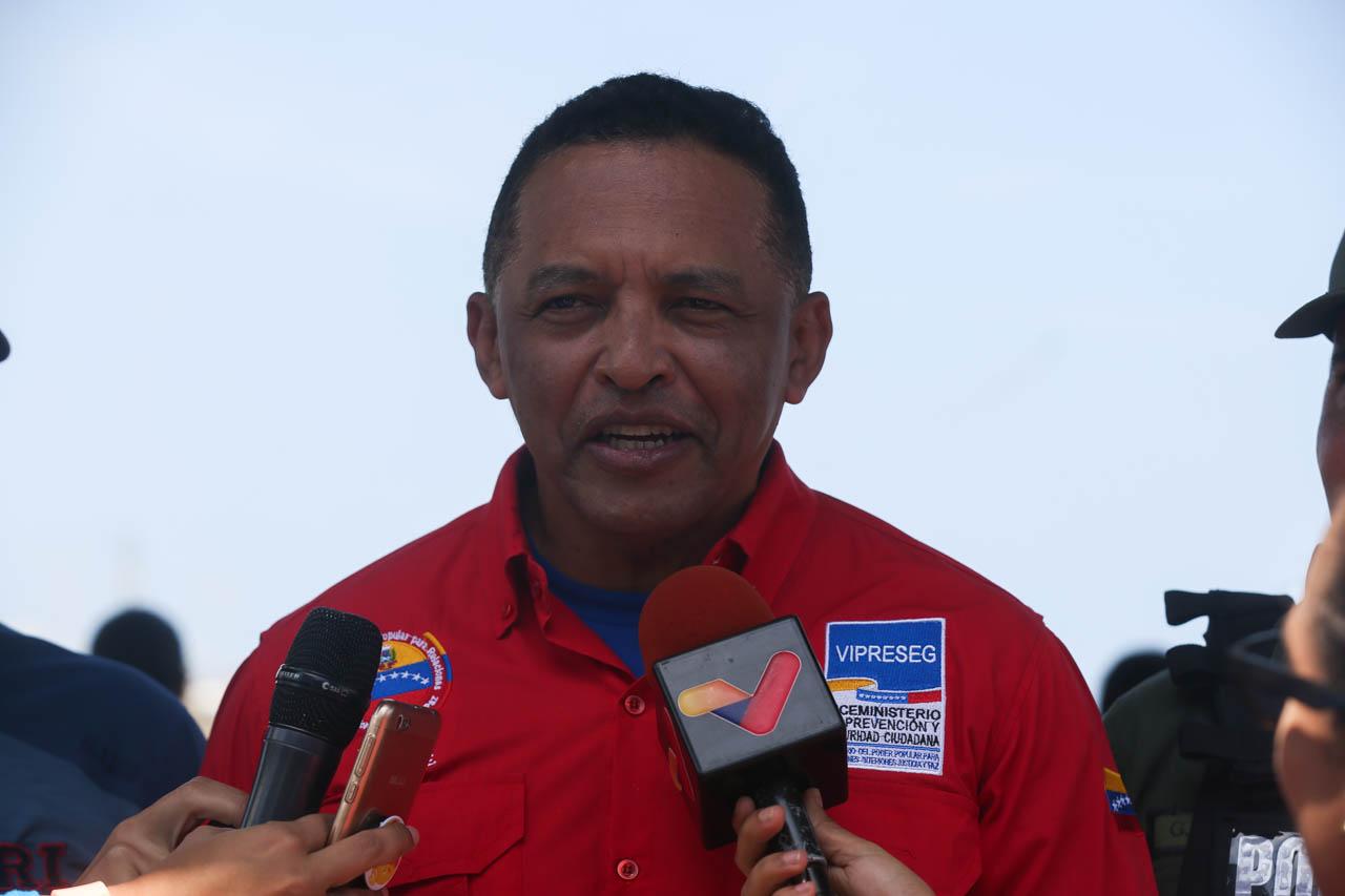 Gobierno recupera espacios de Playa Candilejas en el estado Vargas para disfrute de los temporadistas (19)
