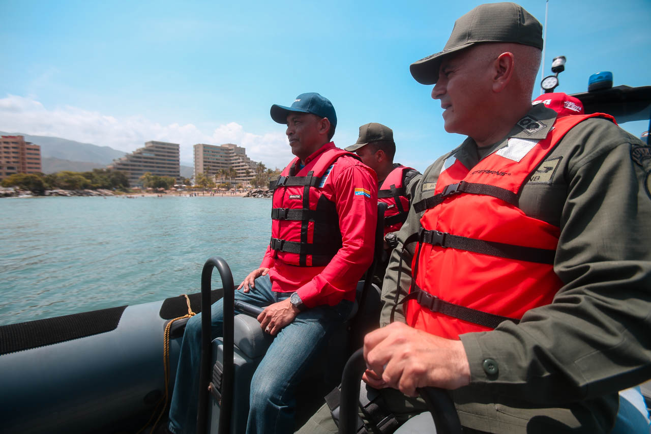 Gobierno recupera espacios de Playa Candilejas en el estado Vargas para disfrute de los temporadistas (20)