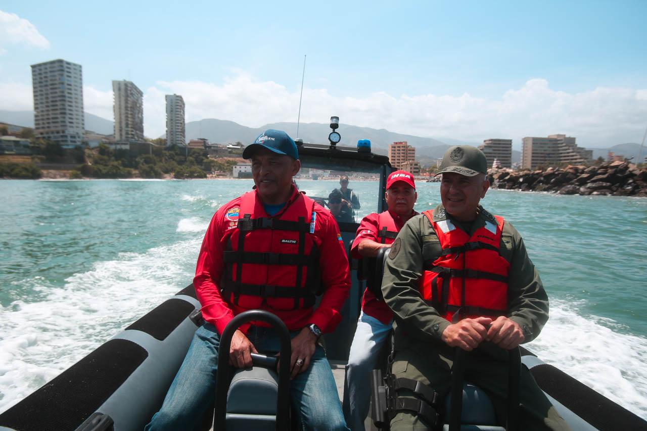 Gobierno recupera espacios de Playa Candilejas en el estado Vargas para disfrute de los temporadistas (22)