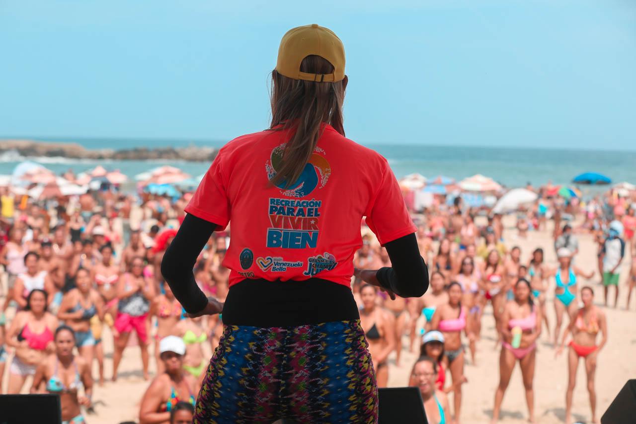 Gobierno recupera espacios de Playa Candilejas en el estado Vargas para disfrute de los temporadistas (3)