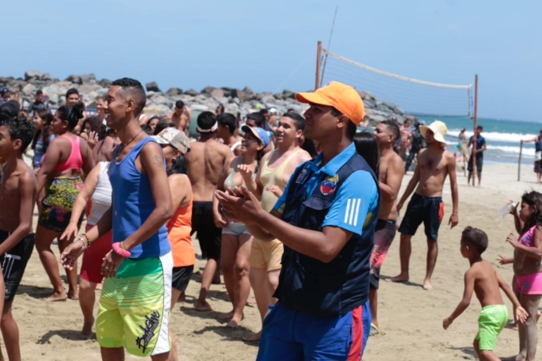 Las playas de Vargas se llenan de color, música y alegría en estos Carnavales 2019 (13)