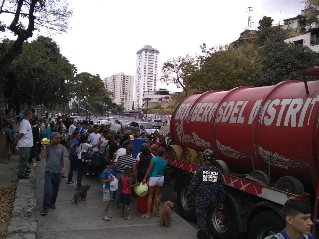 PC y Bomberos activan plan de contingencia en comunidades y hospitales con agua potable (1)