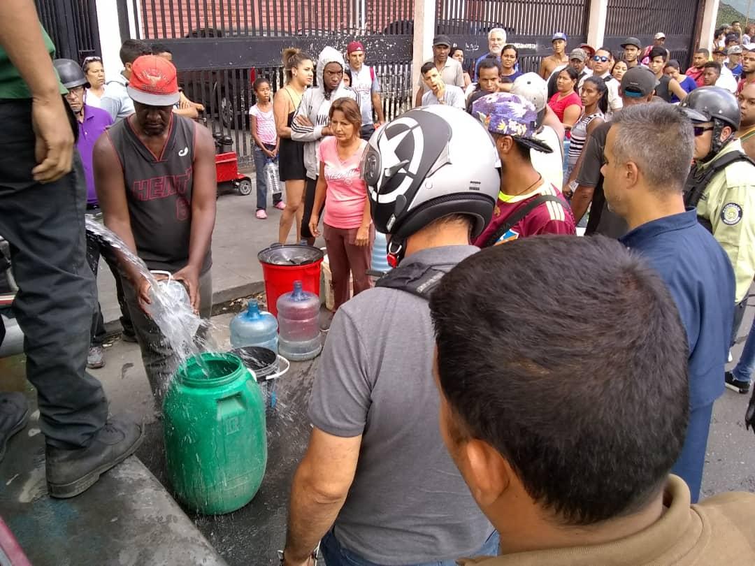 PC y Bomberos activan plan de contingencia en comunidades y hospitales con agua potable (2)