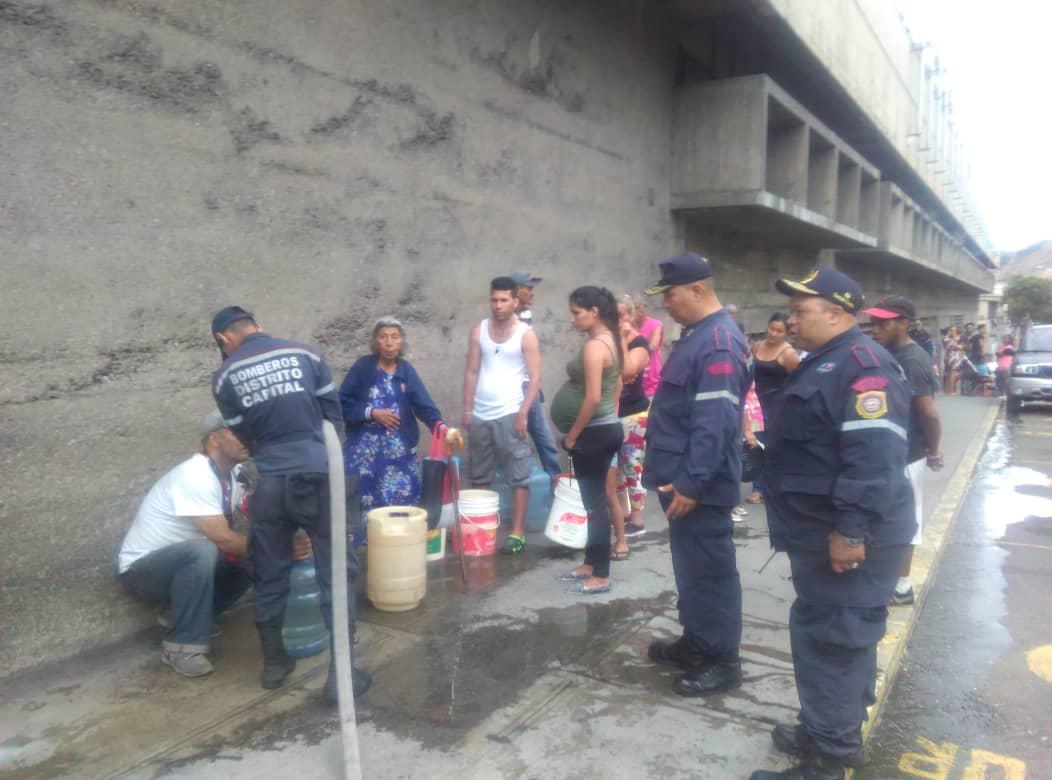 PC y Bomberos activan plan de contingencia en comunidades y hospitales con agua potable (3)