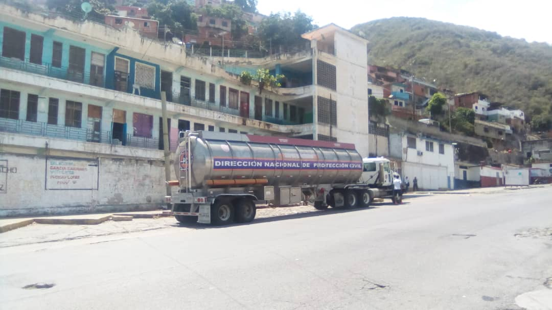 PC y Bomberos activan plan de contingencia en comunidades y hospitales con agua potable (4)