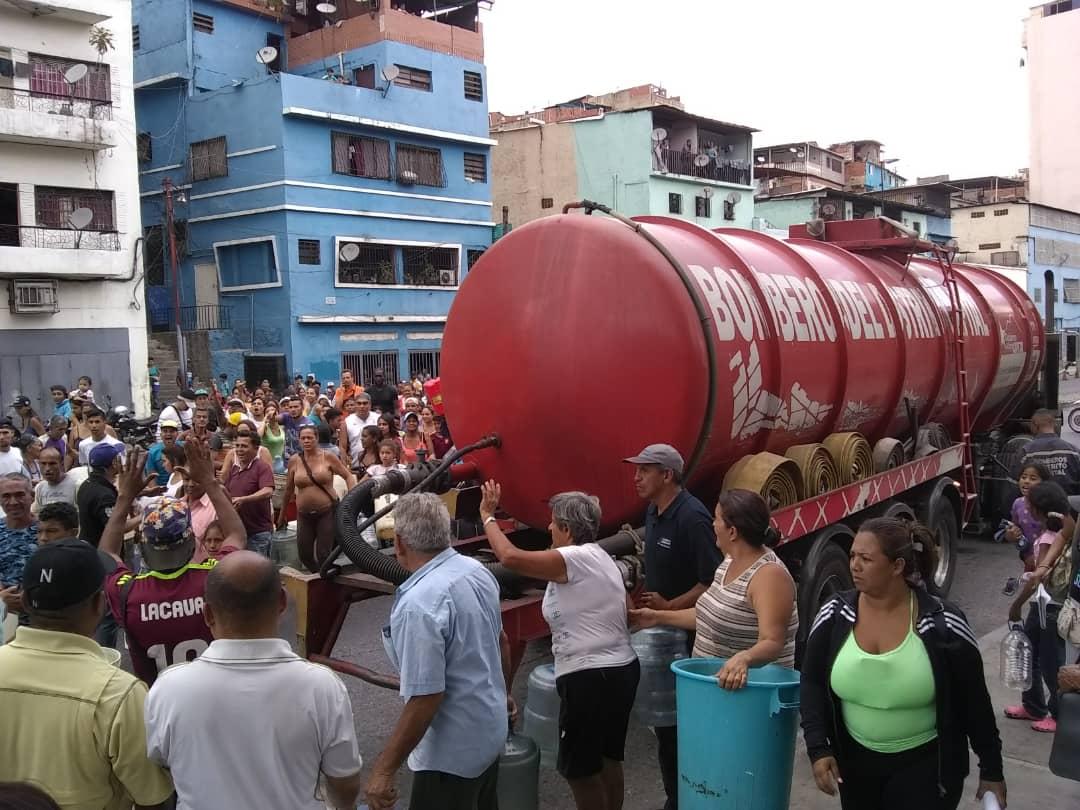PC y Bomberos activan plan de contingencia en comunidades y hospitales con agua potable (5)