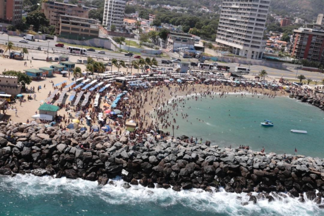 Viceministro Randy Rodríguez En sana paz disfrutan temporadistas en playas y balnearios de Vargas (8)