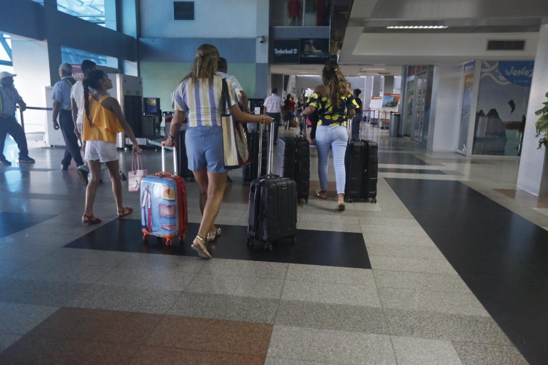 Vpisj supervisó dispositivo retorno seguro desde el Aeropuerto Santiago Mariño (1)