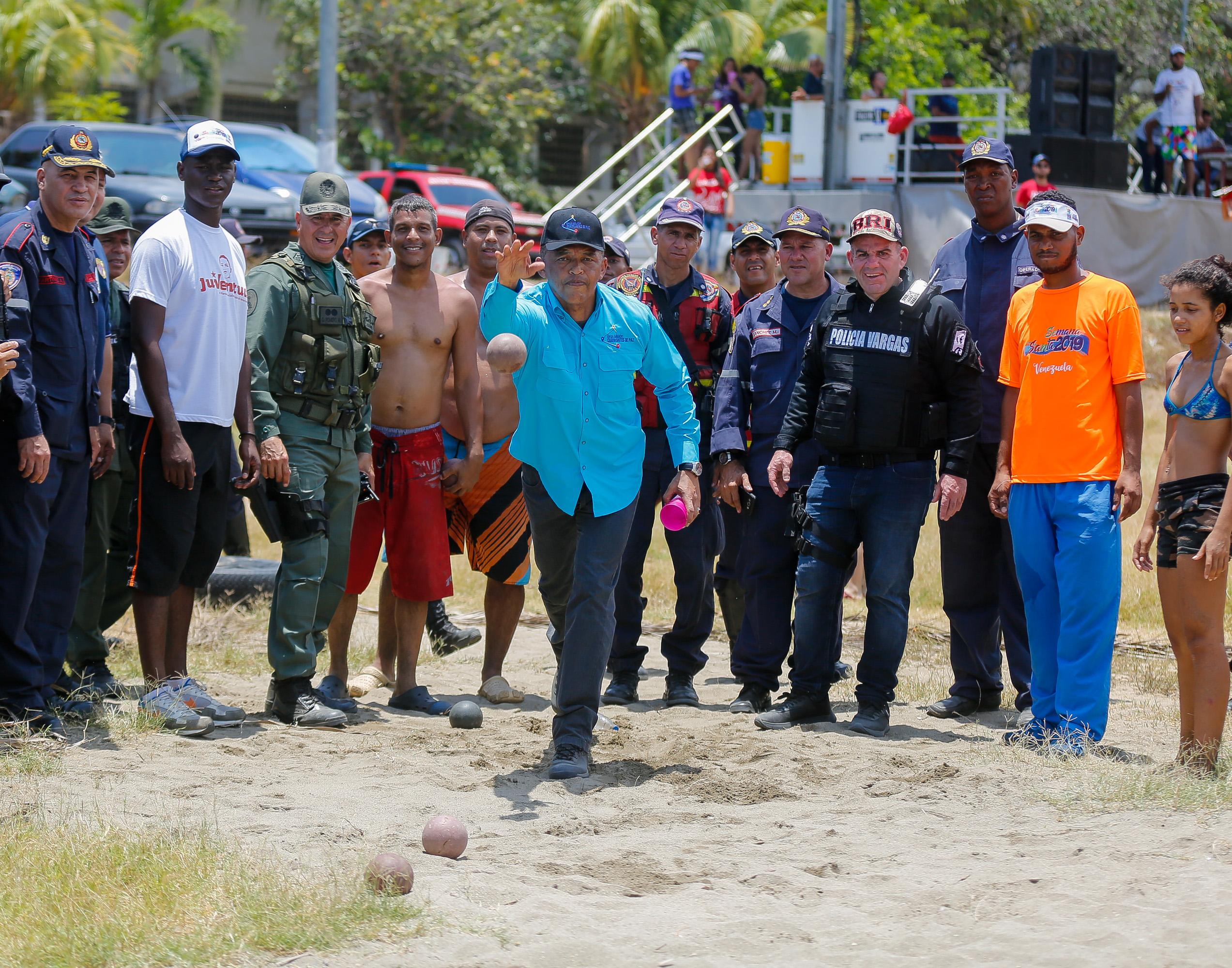 Más de 3 mil 600 efectivos de seguridad continúan desplegados en Vargas (13)