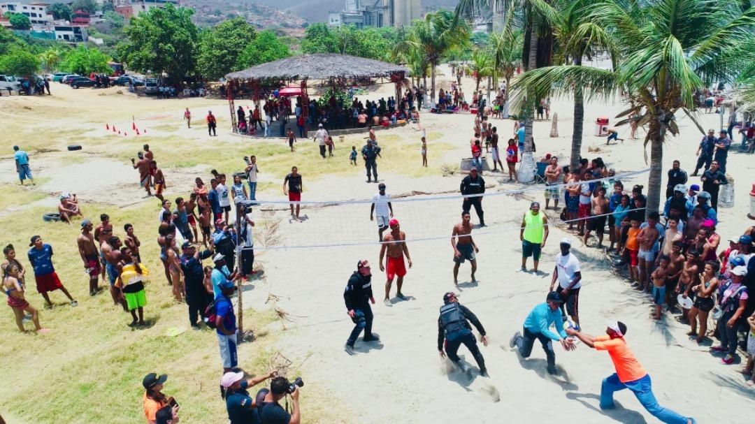 Más de 3 mil 600 efectivos de seguridad continúan desplegados en Vargas (2)