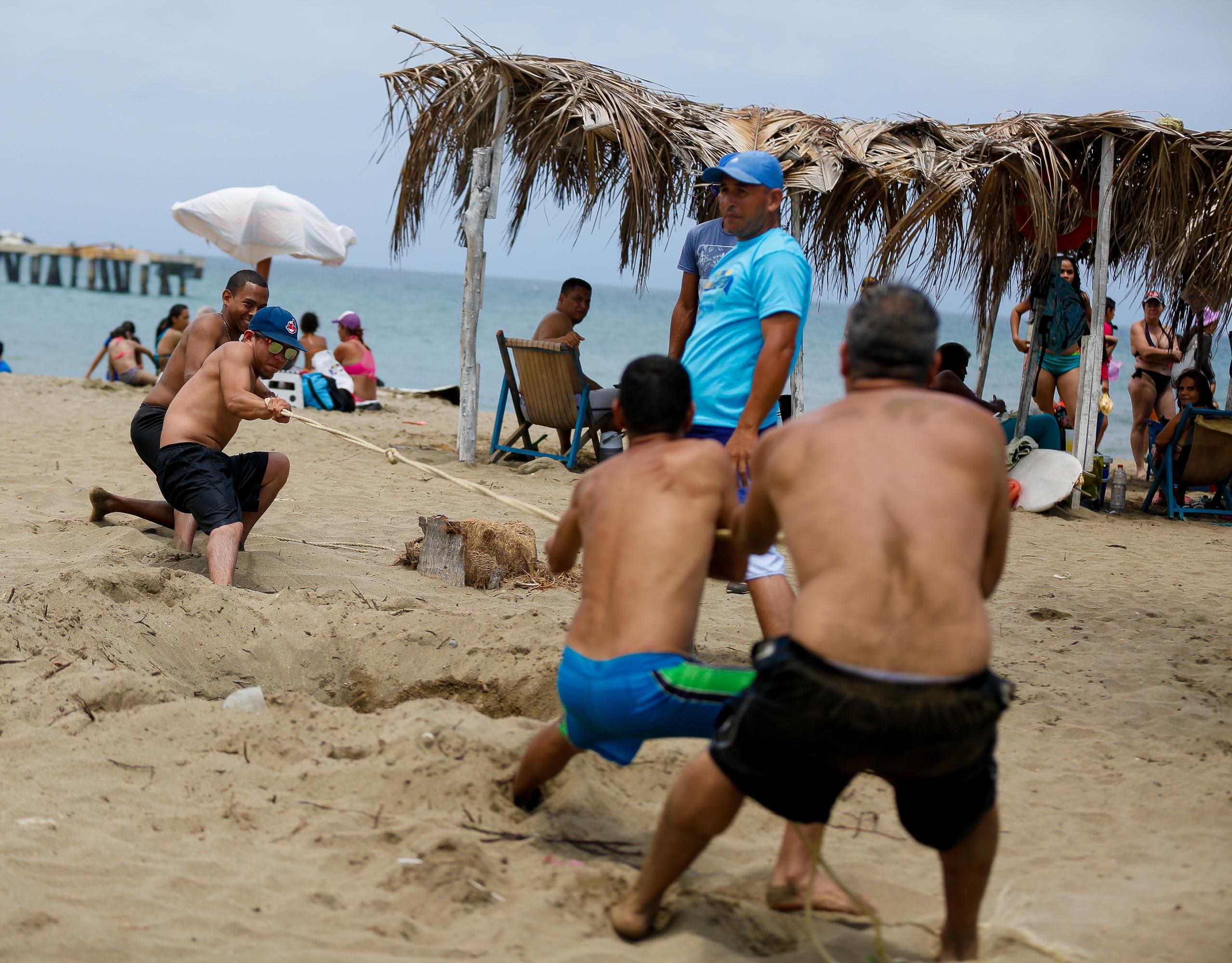Más de 3 mil 600 efectivos de seguridad continúan desplegados en Vargas (5)