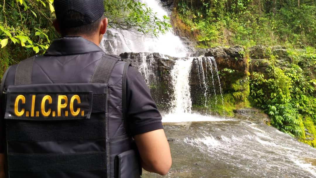 Más de 5 mil funcionarios y 50 puntos de control brindan protección a feligreses y visitantes en Mérida (11)