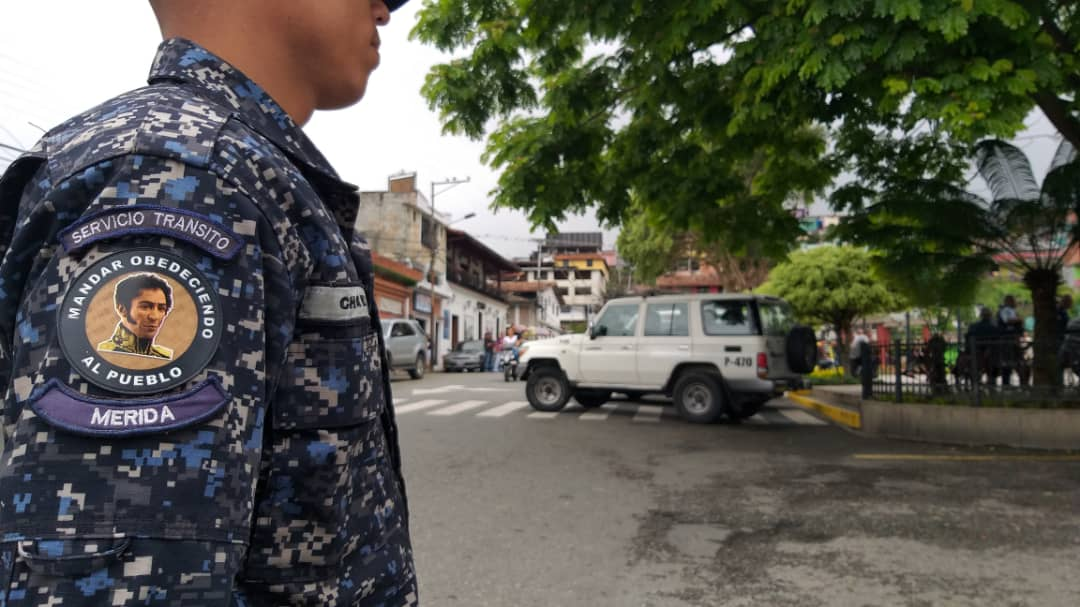 Más de 5 mil funcionarios y 50 puntos de control brindan protección a feligreses y visitantes en Mérida (5)