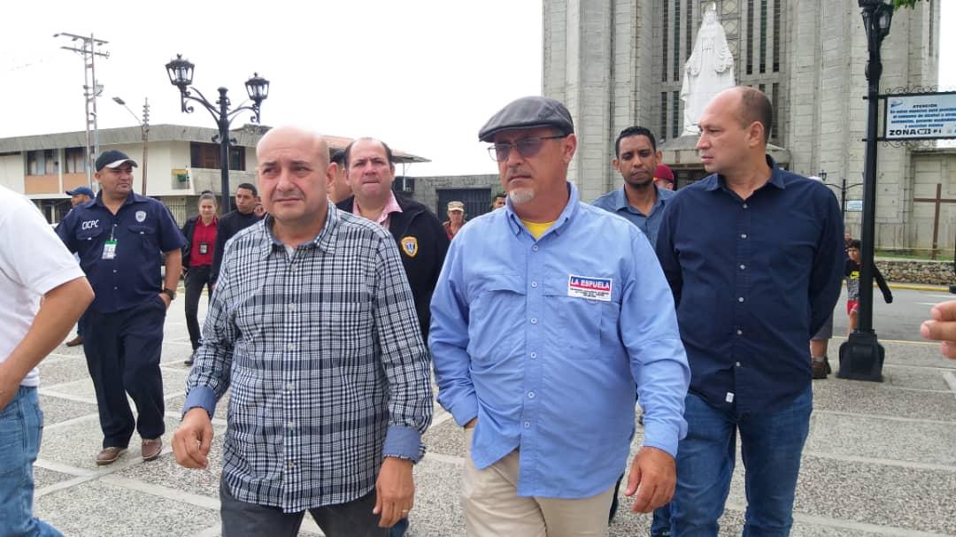 Más de 5 mil funcionarios y 50 puntos de control brindan protección a feligreses y visitantes en Mérida (7)