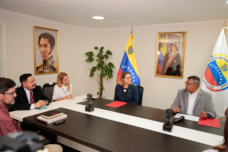 Mpprijp y Comité Internacional de la Cruz Roja firmaron Convenio de Cooperación Interinstitucional (6)