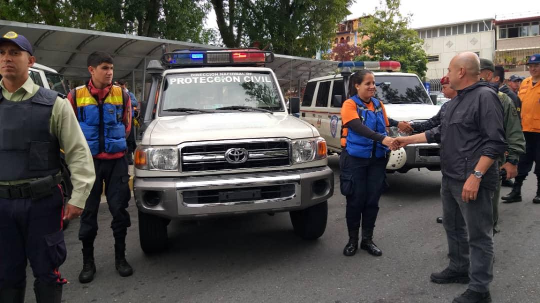Policía Turística brinda atención integral a visitantes del Teleférico Mukumbarí en Mérida (2)