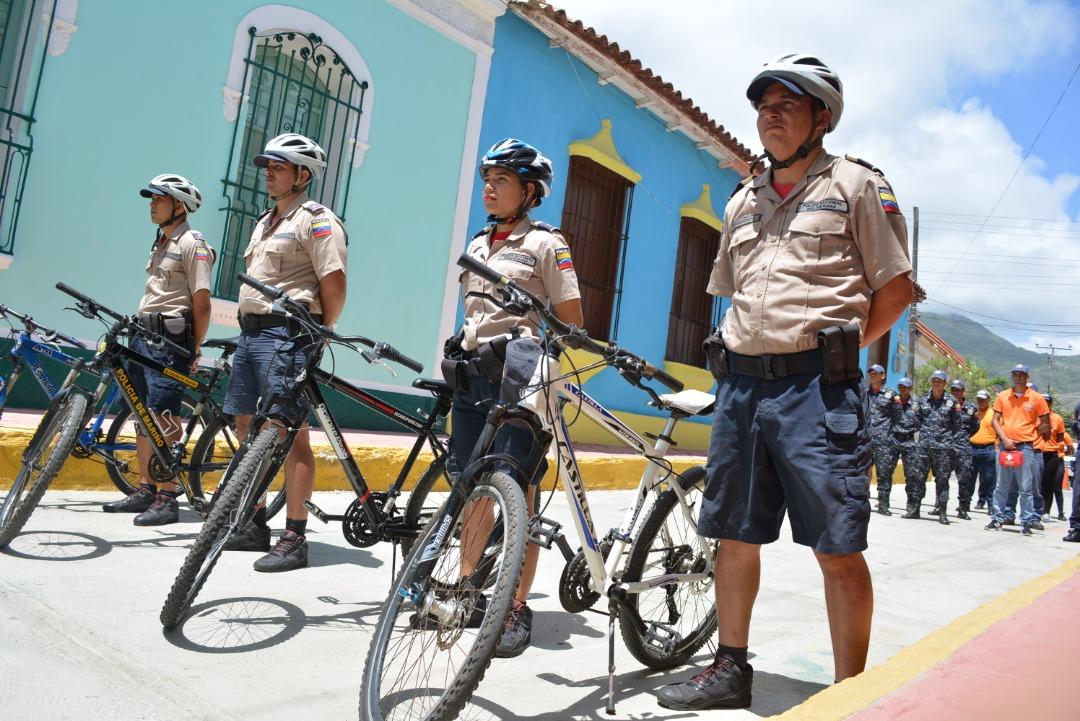 Policía Turística garante de la seguridad de residentes y foráneos en Nueva Esparta (13)