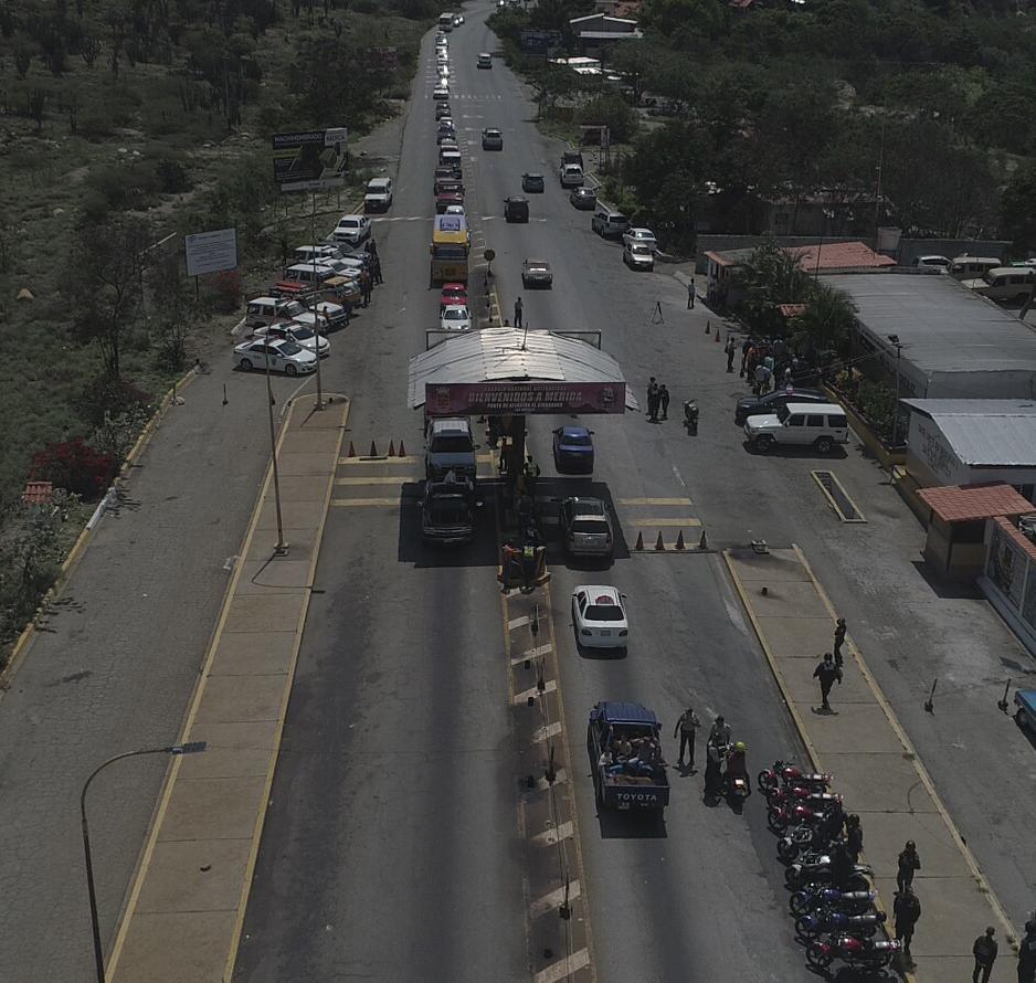 Región Andina con 18 mil funcionarios prestos para resguardar a temporadistas en su retorno (2)