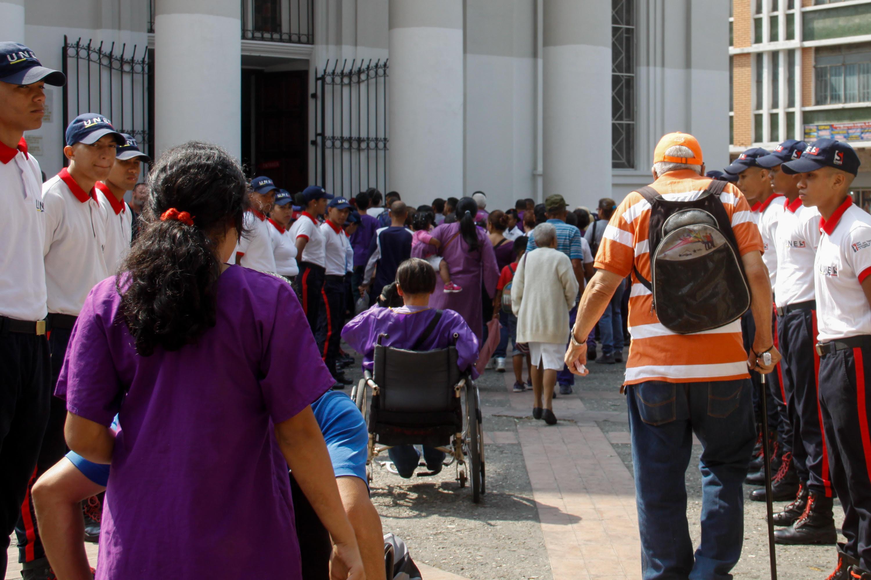 Más de mil 900 funcionarios de los órganos de seguridad resguardan los templos durante esta Semana Santa