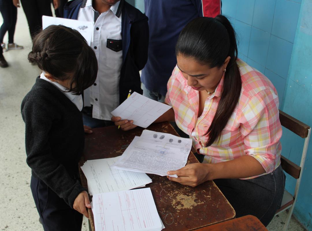 Cedulados 393 niños, niñas y adolescentes en despliegue de la Ruta Escolar en parroquia Coche (2)
