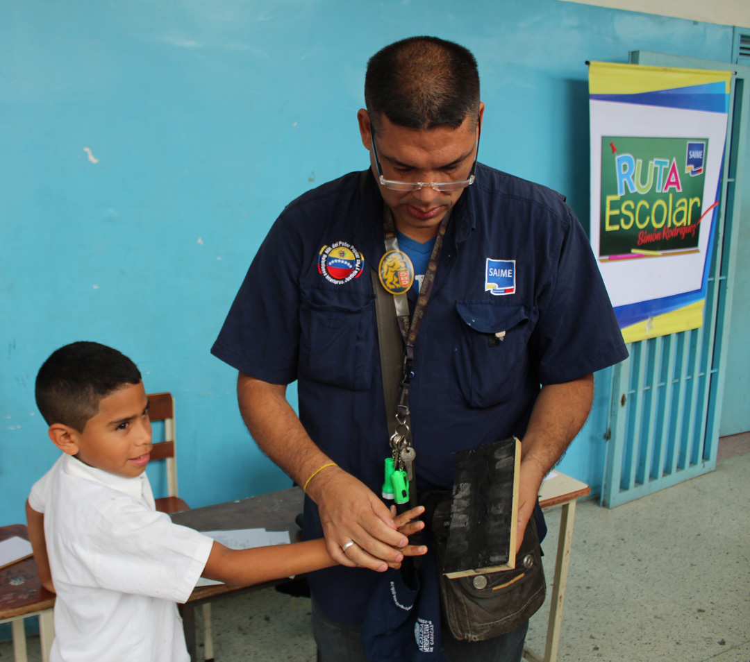 Cedulados 393 niños, niñas y adolescentes en despliegue de la Ruta Escolar en parroquia Coche (3)