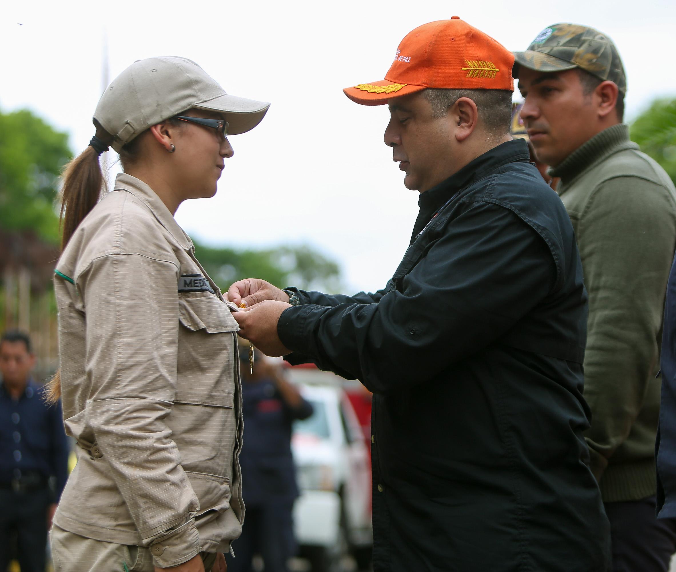 Condecorados héroes forestales por su valentía y coraje en el resguardo de las áreas naturales (10)