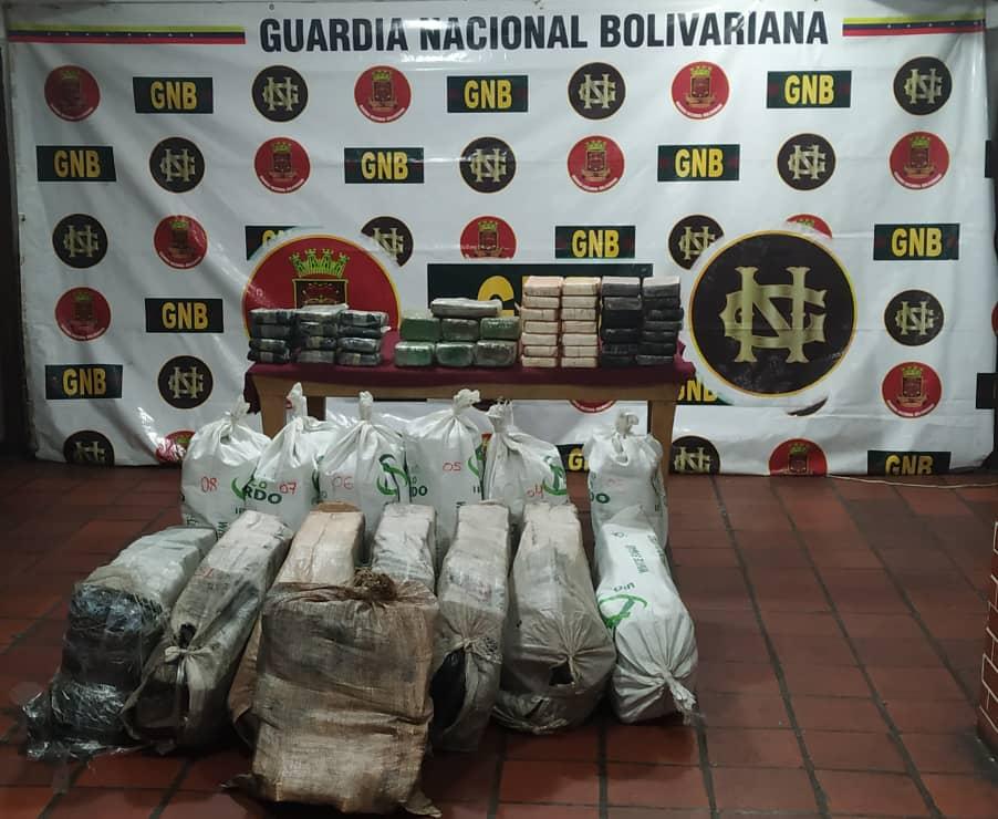 Desarticulan banda que traficaba 323 kg de droga entre marihuana y cocaína en Sucre (3)