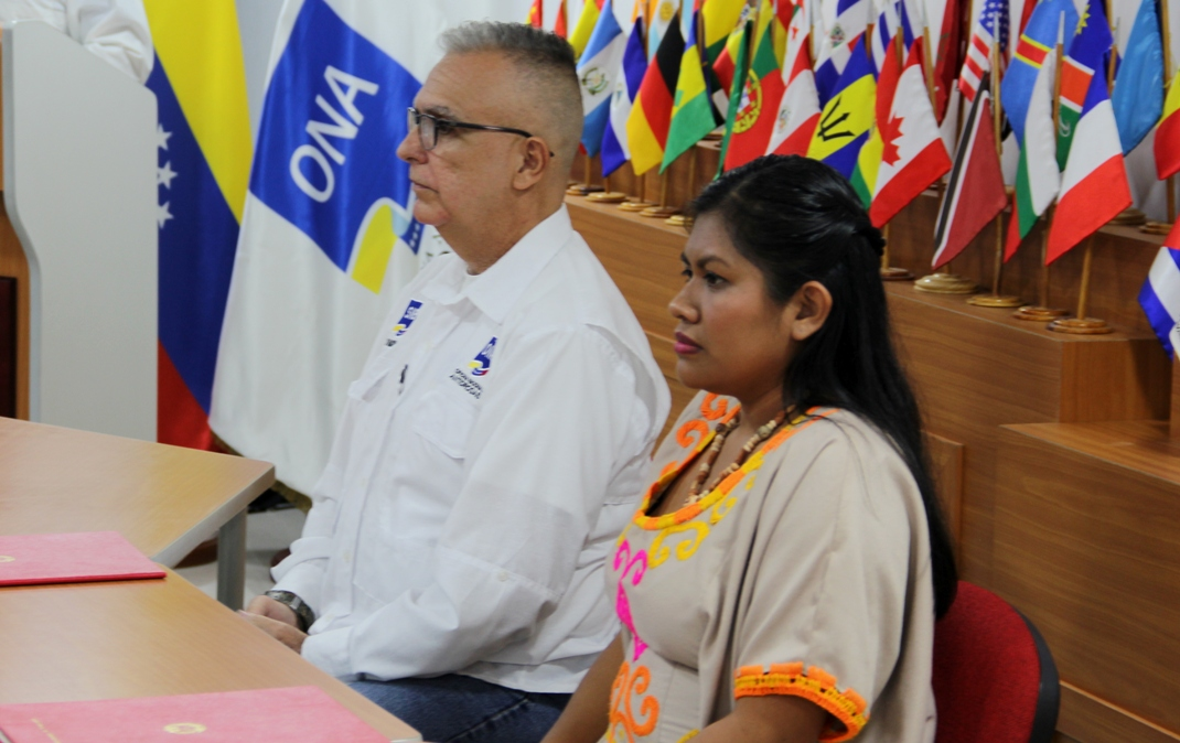 ONA y Ministerio de Pueblos Indígenas firman convenio para promover programas de prevención integral (4)