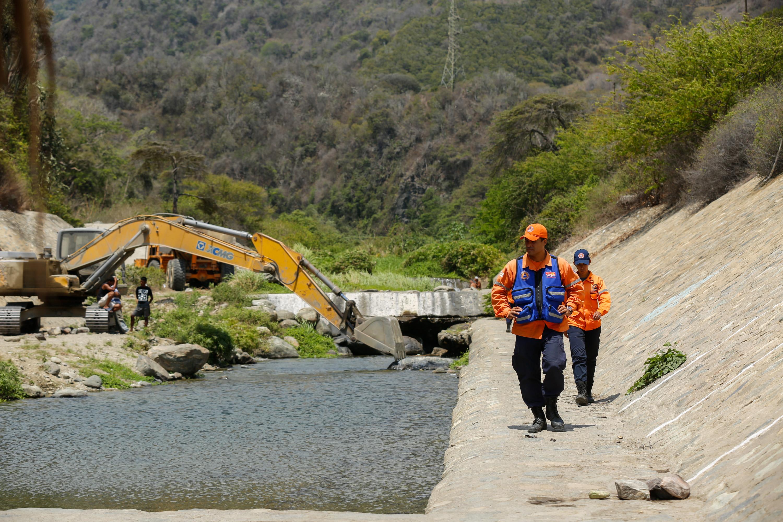 Protección Civil Nacional realizó inspección de obras de mitigación de riesgo en Vargas (5)
