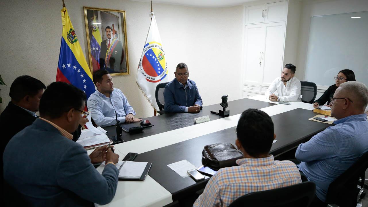 Gobierno nacional garantiza materia prima para el Plan Tanque Azul