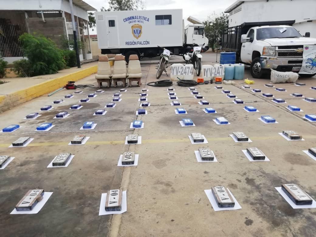 Incautada aeronave estadounidense con 125 panelas de cocaína en el estado Falcón (10)