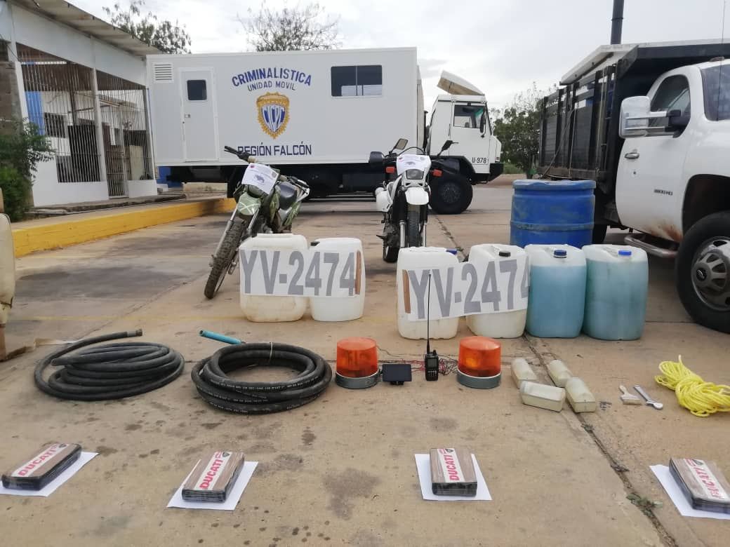 Incautada aeronave estadounidense con 125 panelas de cocaína en el estado Falcón (13)