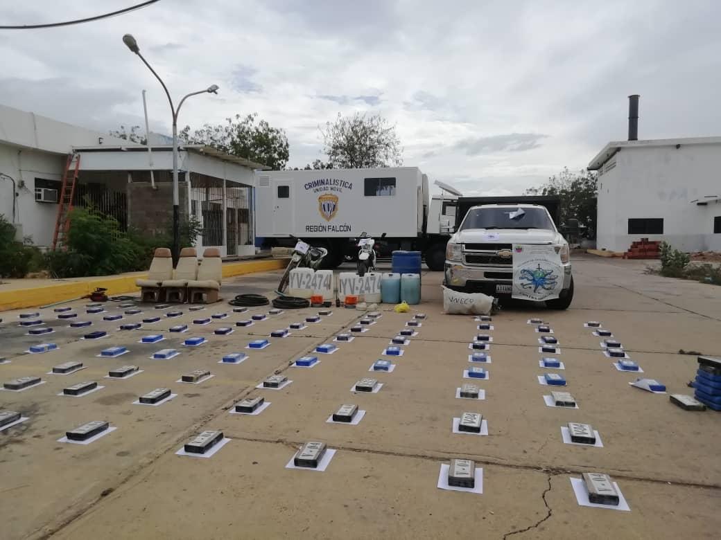 Incautada aeronave estadounidense con 125 panelas de cocaína en el estado Falcón (22)