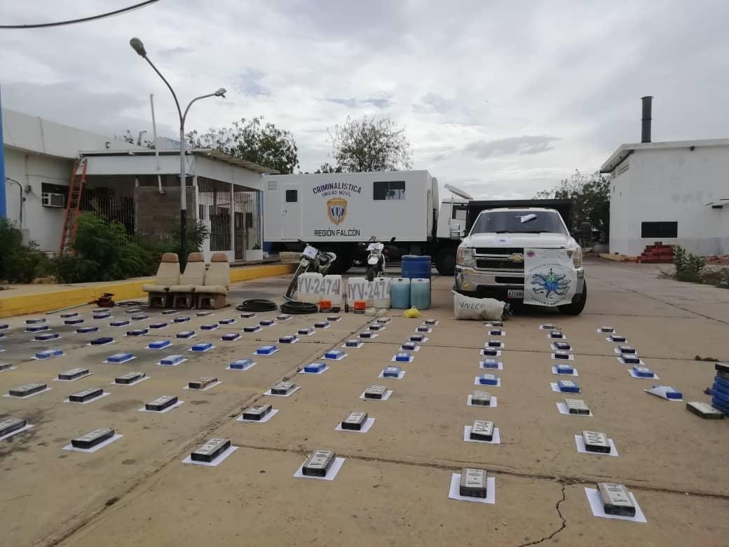 Incautada aeronave estadounidense con 125 panelas de cocaína en el estado Falcón (9)