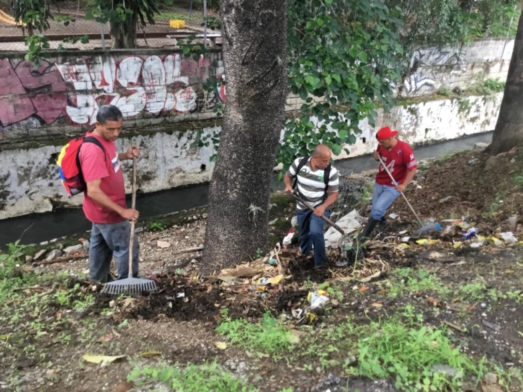 Protección Civil supervisa mantenimiento preventivo en quebrada Agua de Maíz en Miranda (1)