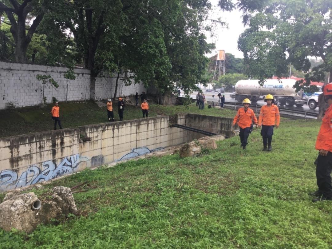 Protección Civil supervisa mantenimiento preventivo en quebrada Agua de Maíz en Miranda (8)