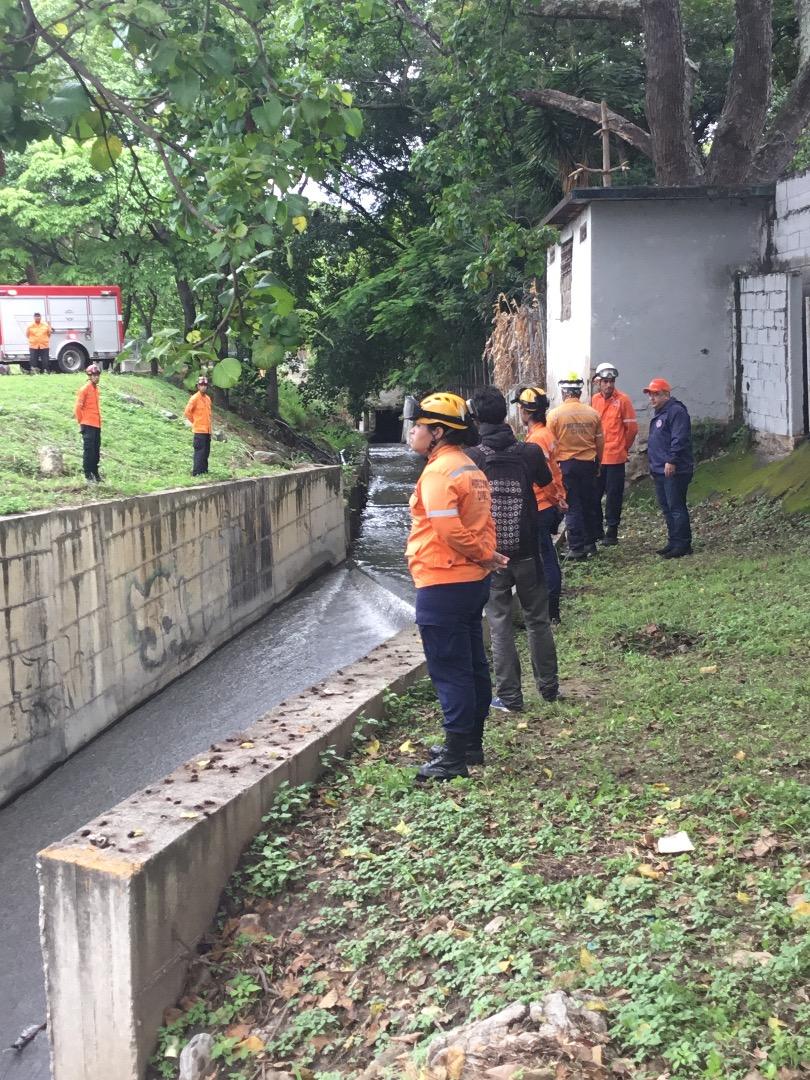 Protección Civil supervisa mantenimiento preventivo en quebrada Agua de Maíz en Miranda (9)
