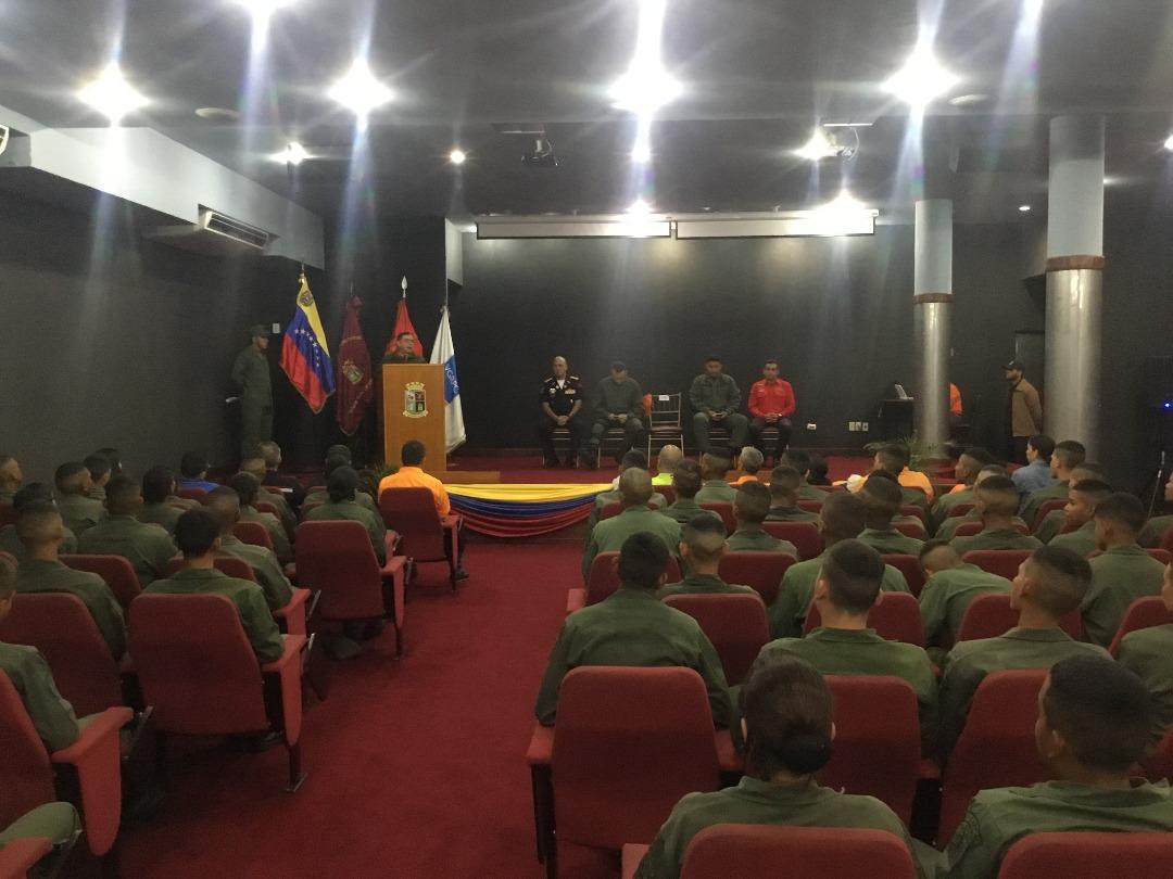 Cadetes de la Academia Militar se capacitaron en materia de prevención (10)