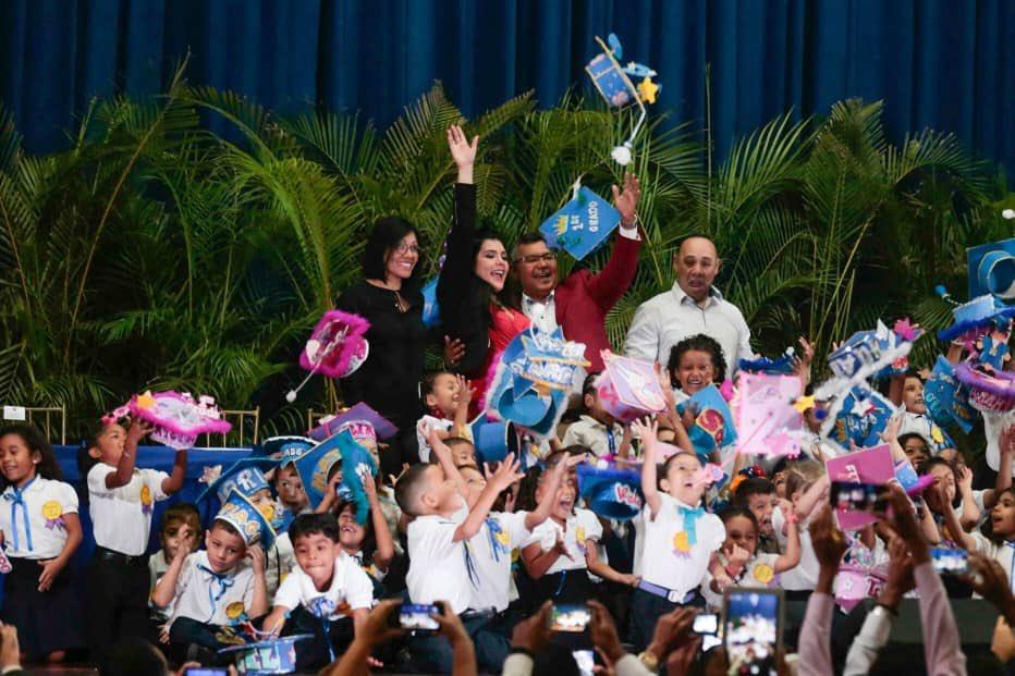 Graduado 50 niños y niñas del Centro Educación Integral Generalísimo Francisco de Miranda (6)
