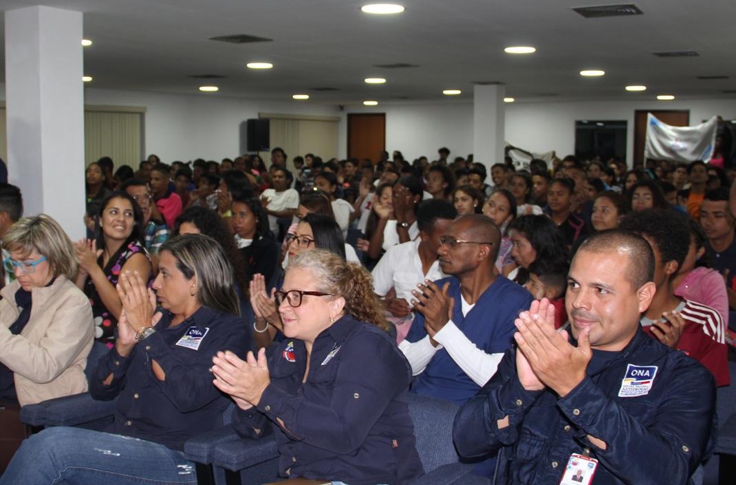 ONA formará a más de 100 mil brigadistas de la Fundación Robert Serra (12)
