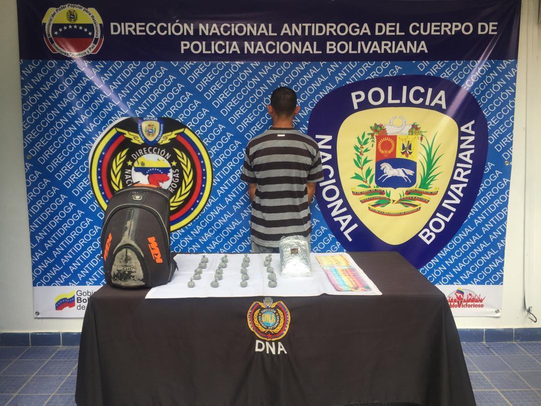 Tres sujetos aprehendidos por posesión ilícita de droga en la Gran Caracas (3)