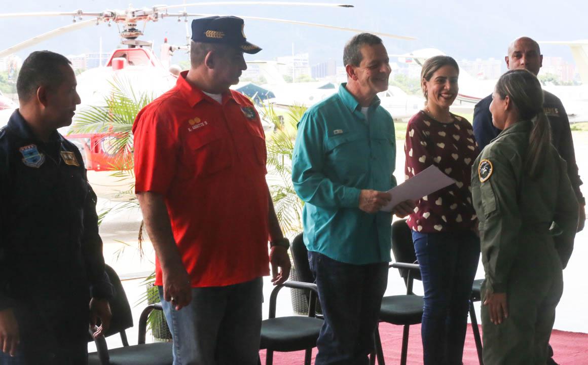 Certificados como Auxiliar de Vuelo funcionarios de diferentes órganos de seguridad del país (6)