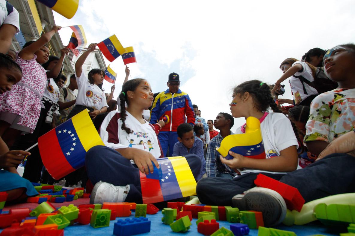 Mpprijp entrega obsequios a 200 niños de fundaciones en Caracas (14)